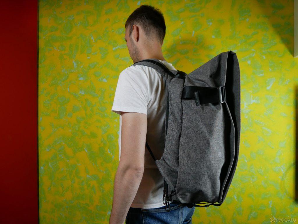 Полный рюкзак KALIDI на человеке